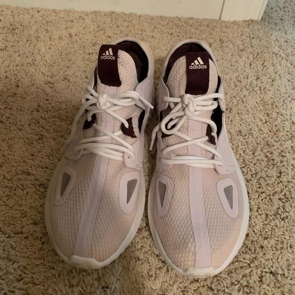 adidas Shoes - Adidas Bounce shoes